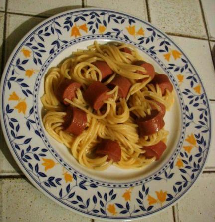 Spaghetti al wurstel ,un piatto facilissimo e semplice, divertenti per i bambini