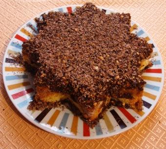 Pandoro farcito di crema pasticciera,mandorle e cioccolato fondente a scagli