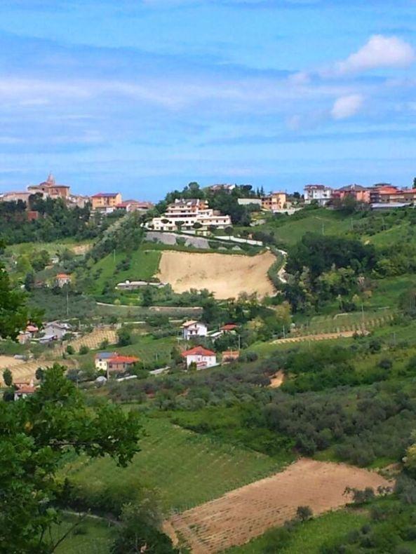 Villa Ciccone vista da Bucchianico. scatto di Enea (Y)